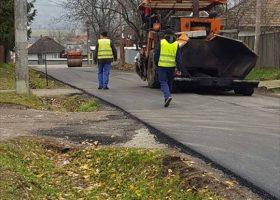 Modernizarea drumurilor, o prioritate pentru primarul comunei Borlești, Vali Puică