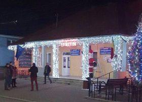 Comuna Borlești a fost iluminată festiv de sărbători