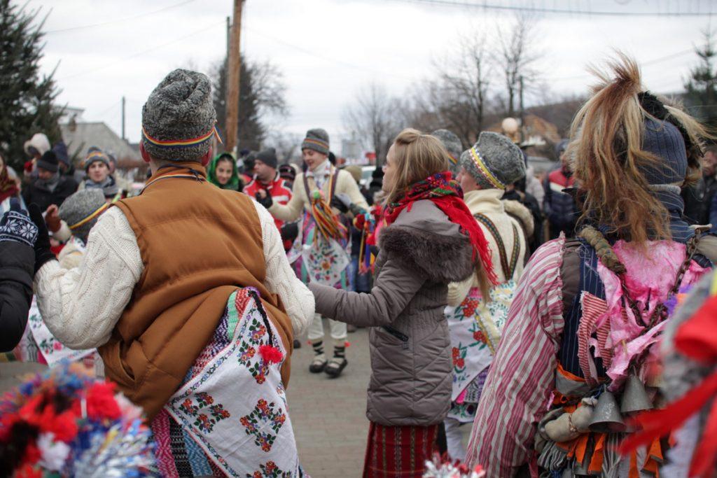 festivalul-de-datini-obiceiuri-si-traditii-de-iarna-borlesti-2016-1
