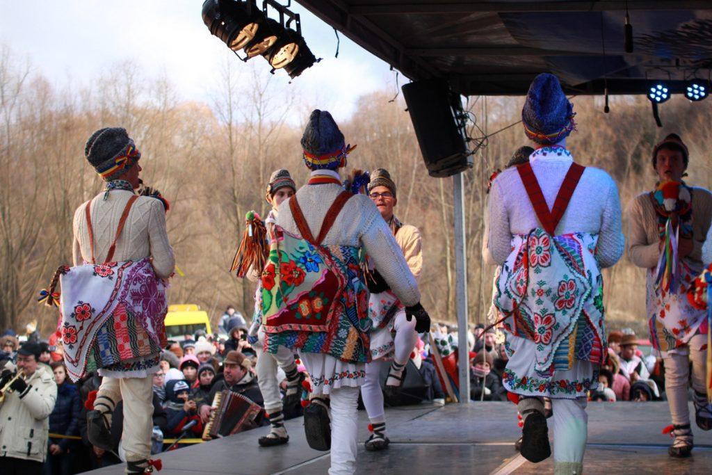 festivalul-de-datini-obiceiuri-si-traditii-de-iarna-borlesti-2016-100