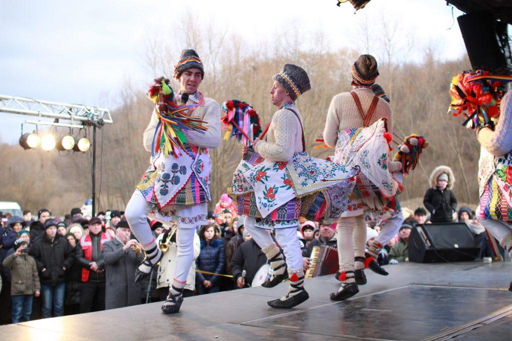 festivalul-de-datini-obiceiuri-si-traditii-de-iarna-borlesti-2016-102