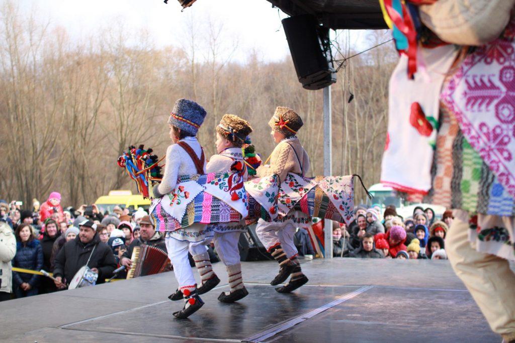 festivalul-de-datini-obiceiuri-si-traditii-de-iarna-borlesti-2016-103