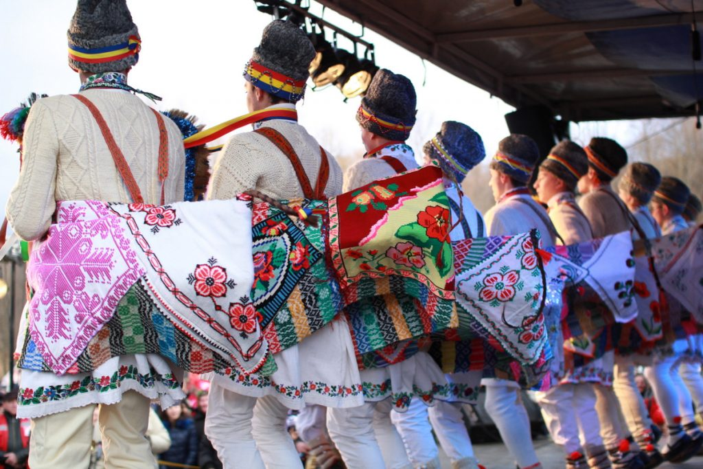 festivalul-de-datini-obiceiuri-si-traditii-de-iarna-borlesti-2016-104