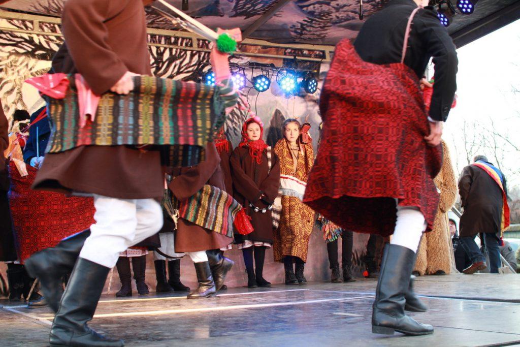 festivalul-de-datini-obiceiuri-si-traditii-de-iarna-borlesti-2016-128