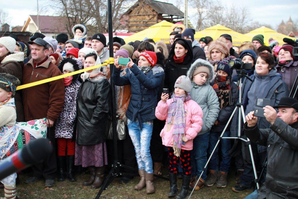 festivalul-de-datini-obiceiuri-si-traditii-de-iarna-borlesti-2016-129