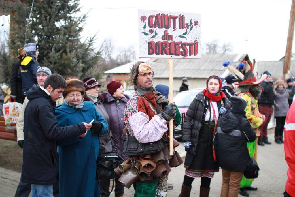 festivalul-de-datini-obiceiuri-si-traditii-de-iarna-borlesti-2016-13