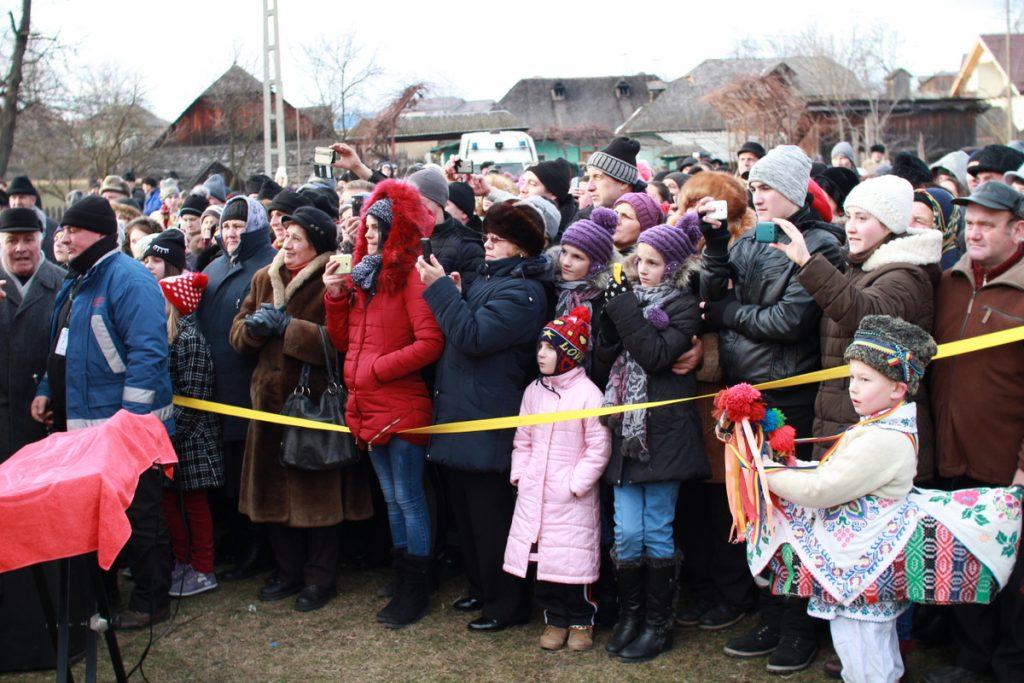festivalul-de-datini-obiceiuri-si-traditii-de-iarna-borlesti-2016-130