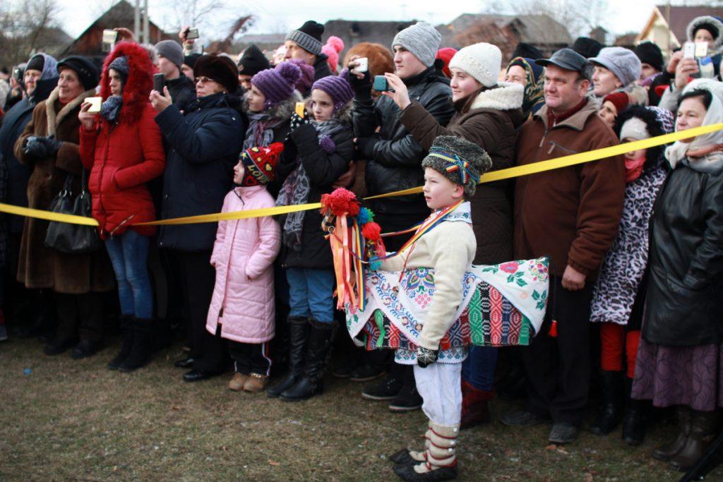 festivalul-de-datini-obiceiuri-si-traditii-de-iarna-borlesti-2016-133
