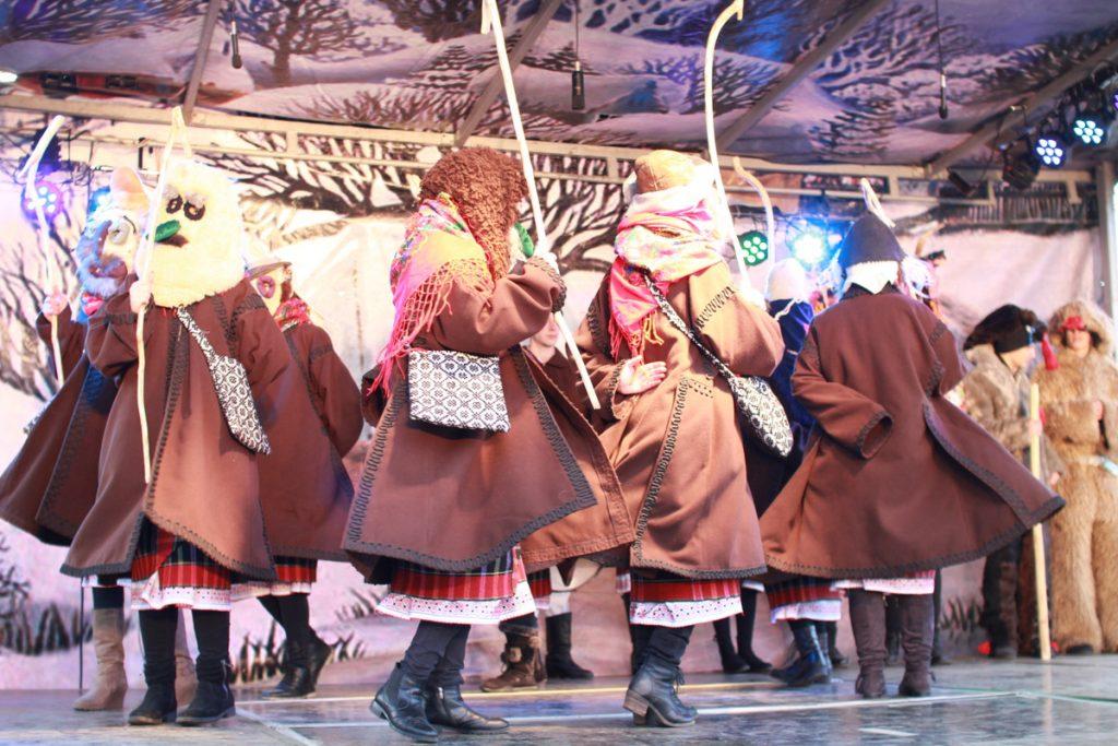 festivalul-de-datini-obiceiuri-si-traditii-de-iarna-borlesti-2016-134