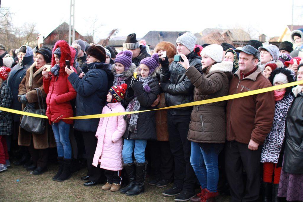 festivalul-de-datini-obiceiuri-si-traditii-de-iarna-borlesti-2016-135