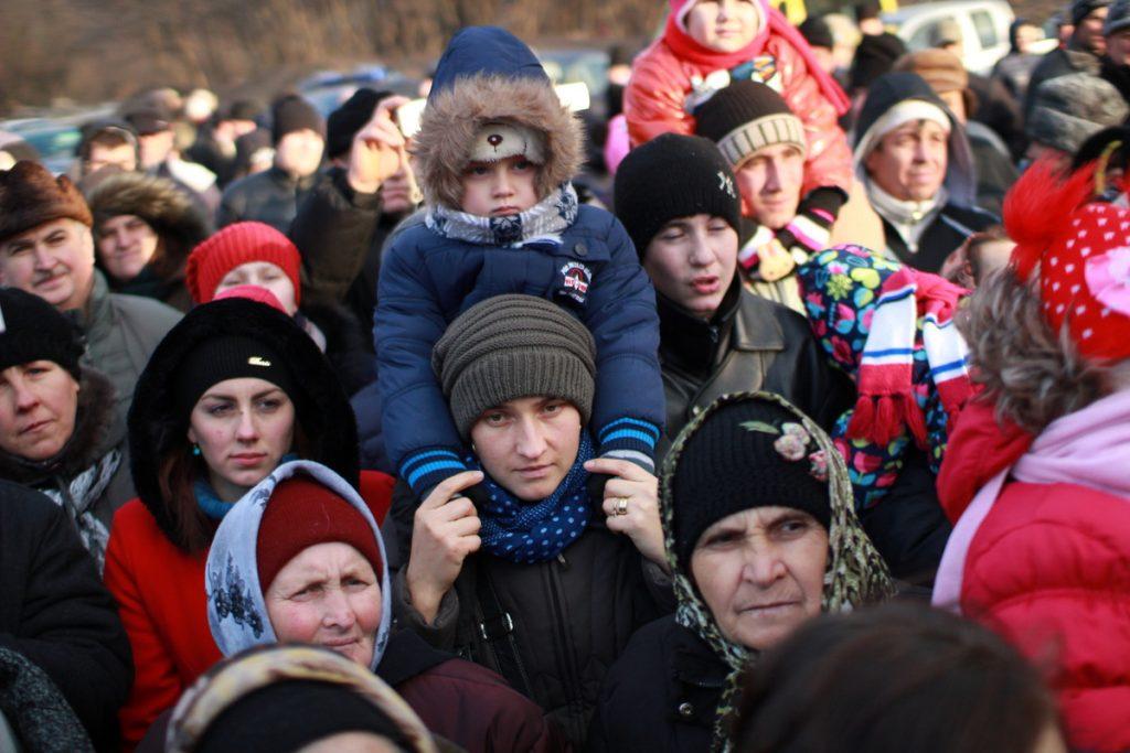 festivalul-de-datini-obiceiuri-si-traditii-de-iarna-borlesti-2016-137