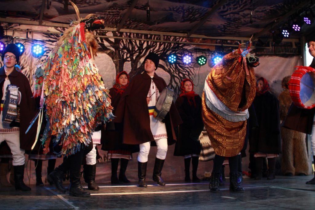 festivalul-de-datini-obiceiuri-si-traditii-de-iarna-borlesti-2016-140
