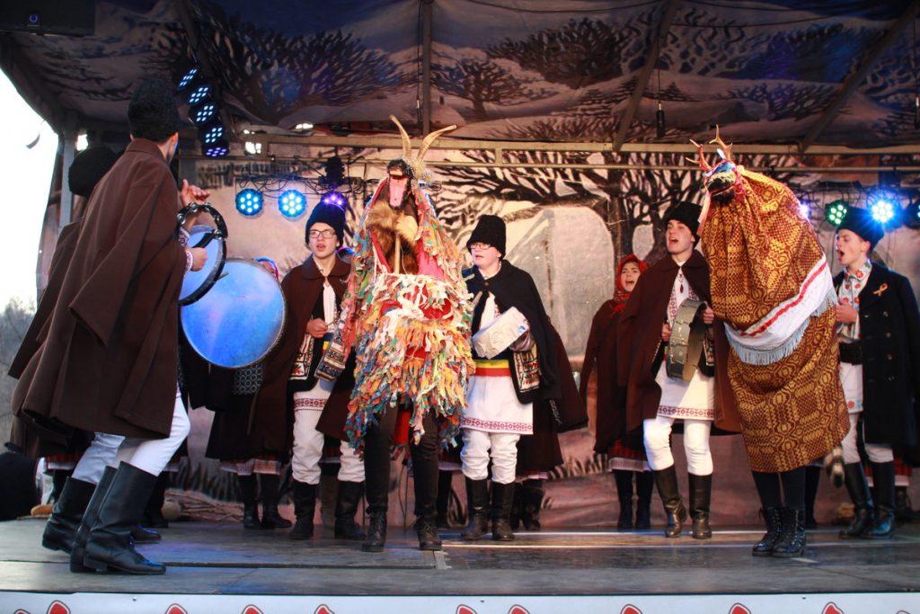 festivalul-de-datini-obiceiuri-si-traditii-de-iarna-borlesti-2016-143