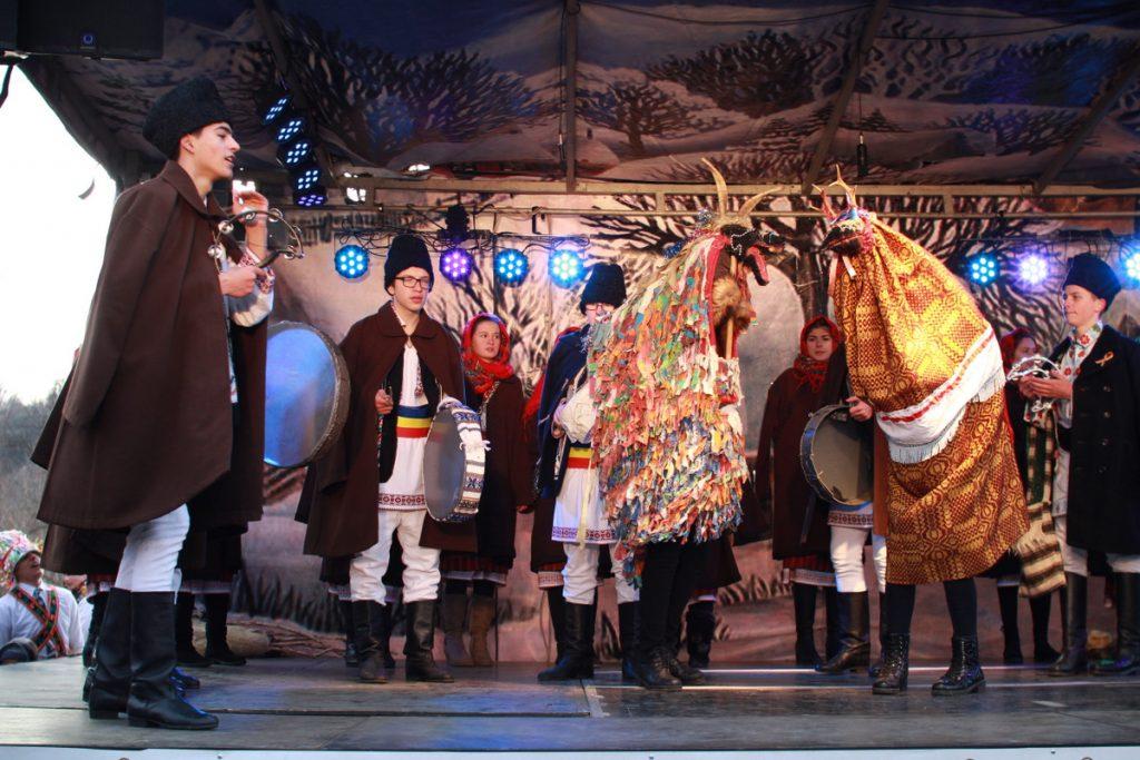 festivalul-de-datini-obiceiuri-si-traditii-de-iarna-borlesti-2016-144