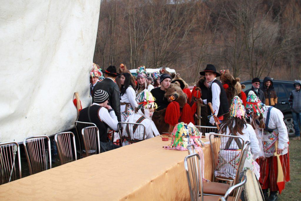 festivalul-de-datini-obiceiuri-si-traditii-de-iarna-borlesti-2016-148