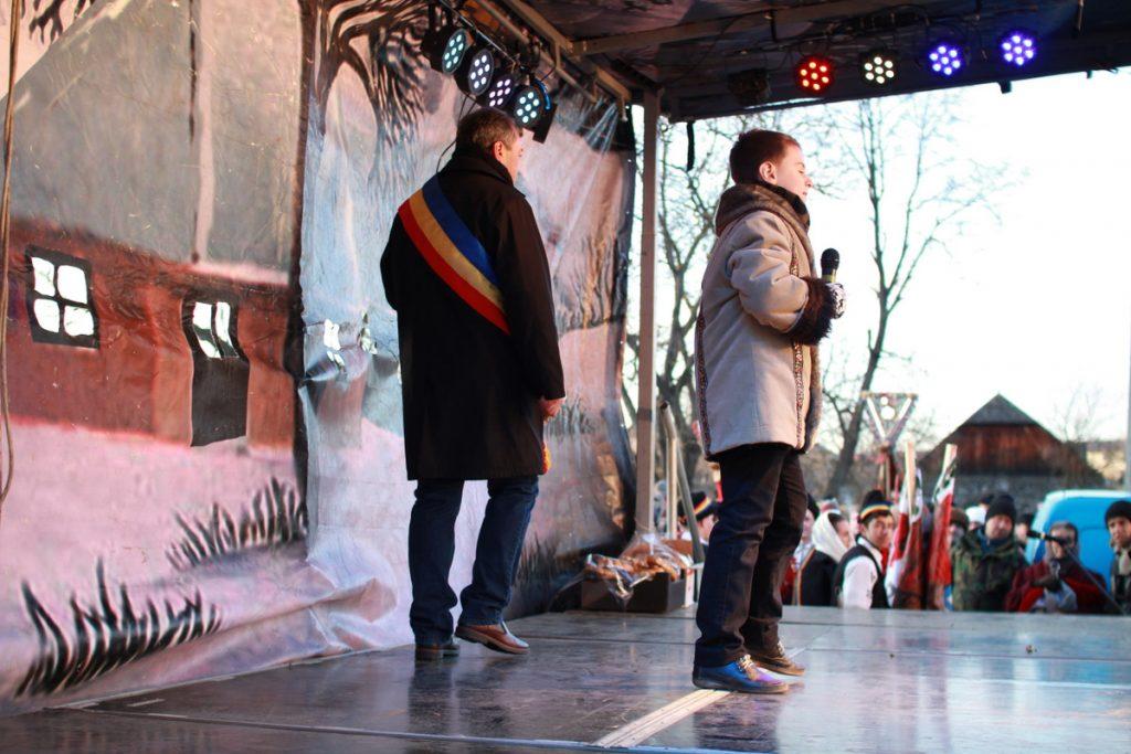 festivalul-de-datini-obiceiuri-si-traditii-de-iarna-borlesti-2016-156