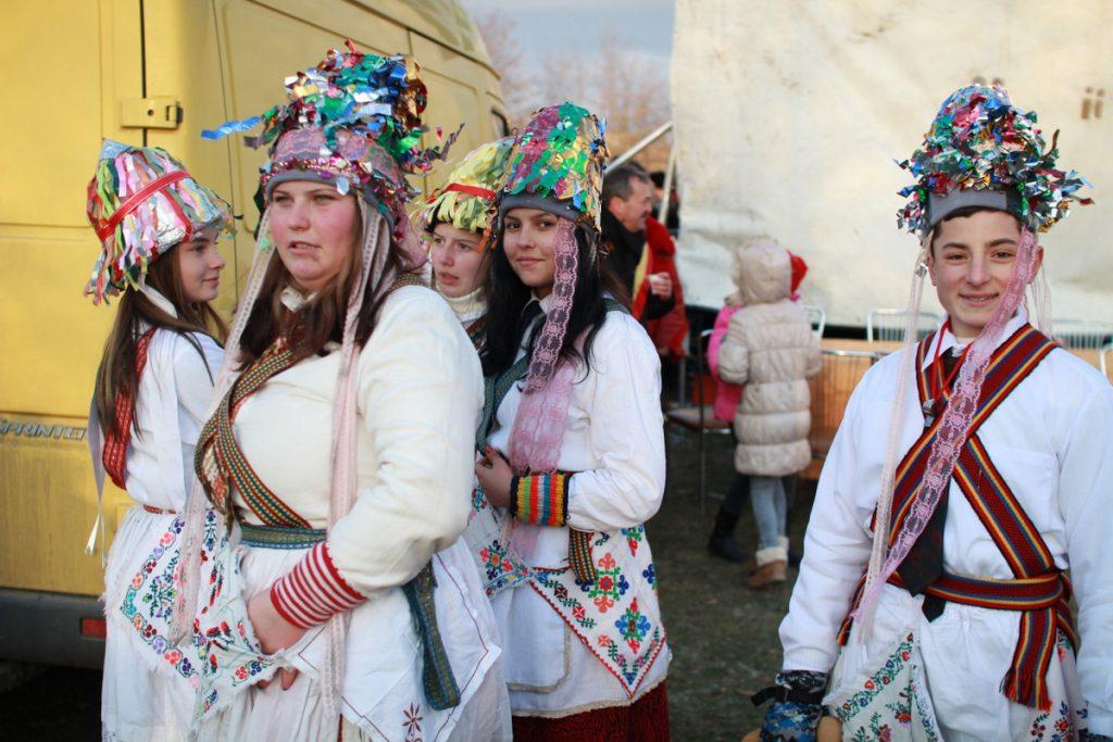 festivalul-de-datini-obiceiuri-si-traditii-de-iarna-borlesti-2016-158