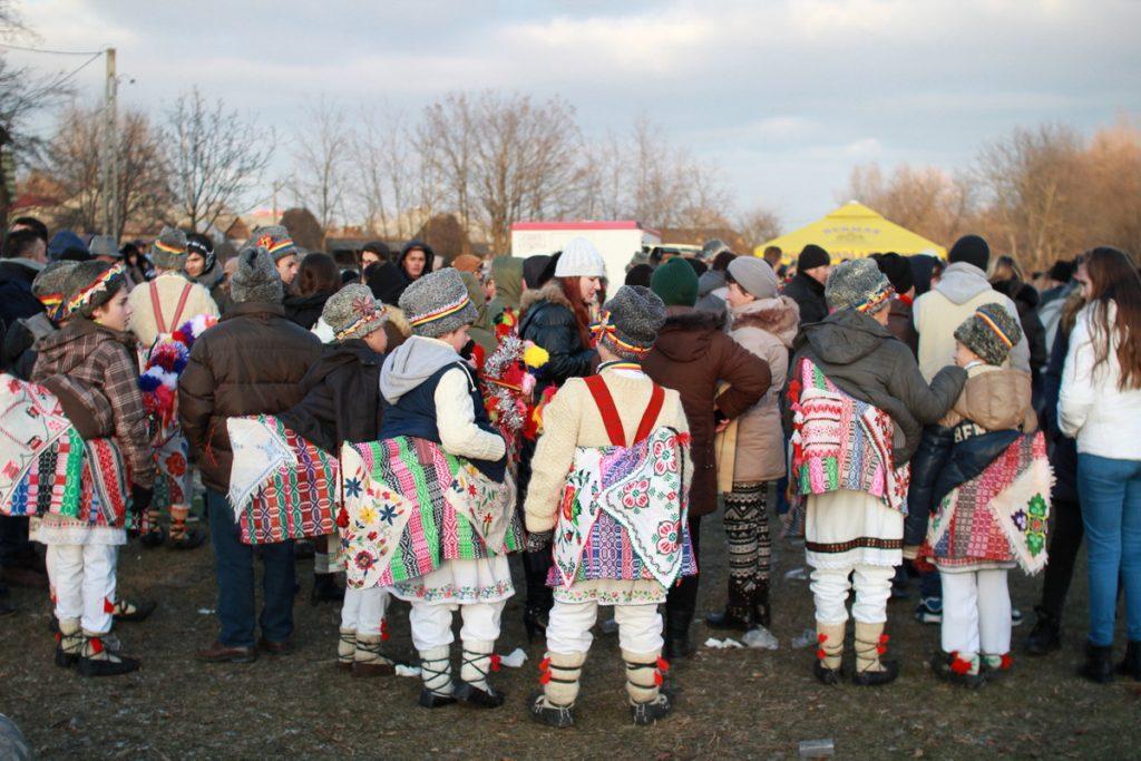 festivalul-de-datini-obiceiuri-si-traditii-de-iarna-borlesti-2016-161