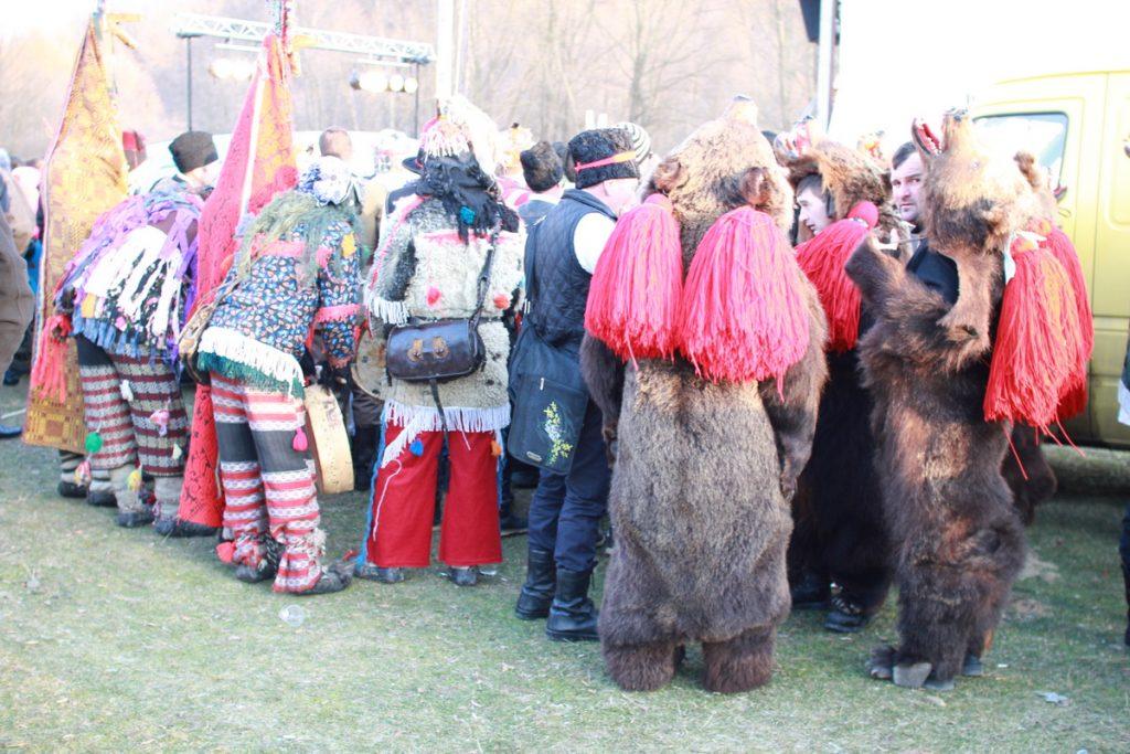 festivalul-de-datini-obiceiuri-si-traditii-de-iarna-borlesti-2016-163