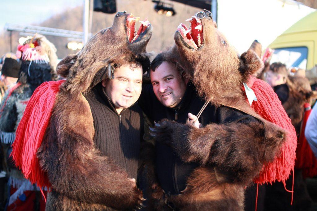 festivalul-de-datini-obiceiuri-si-traditii-de-iarna-borlesti-2016-164