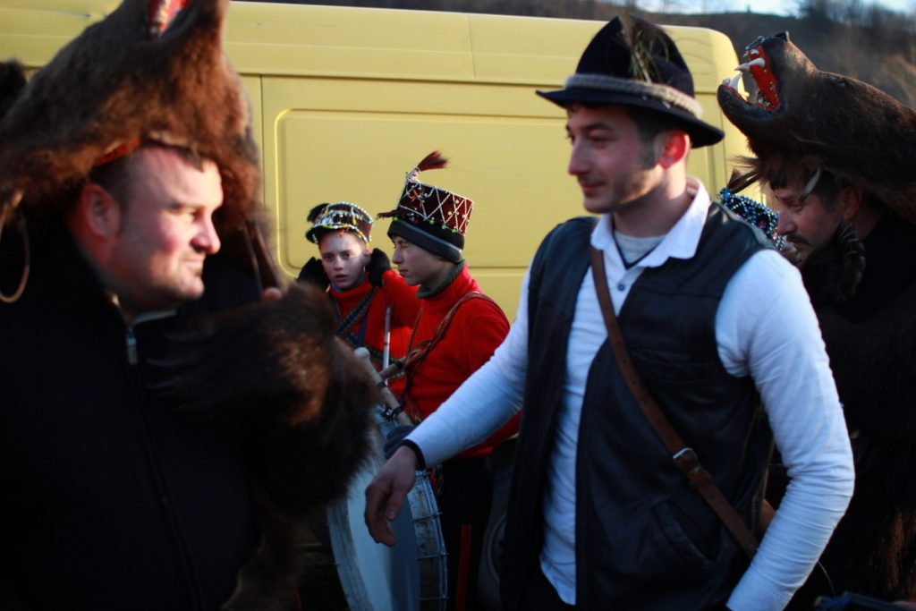 festivalul-de-datini-obiceiuri-si-traditii-de-iarna-borlesti-2016-167