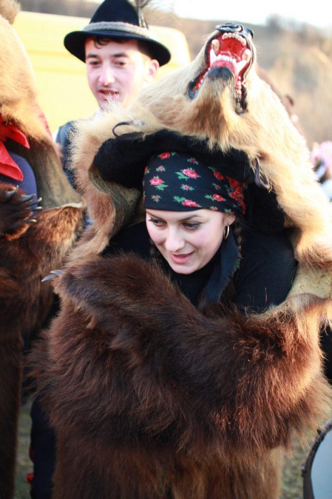 festivalul-de-datini-obiceiuri-si-traditii-de-iarna-borlesti-2016-168
