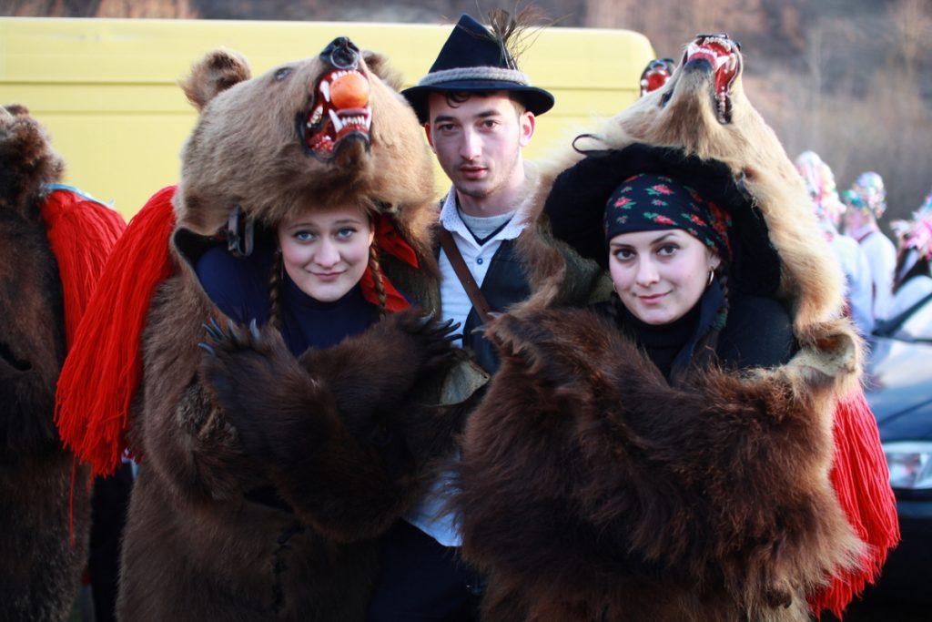 festivalul-de-datini-obiceiuri-si-traditii-de-iarna-borlesti-2016-169