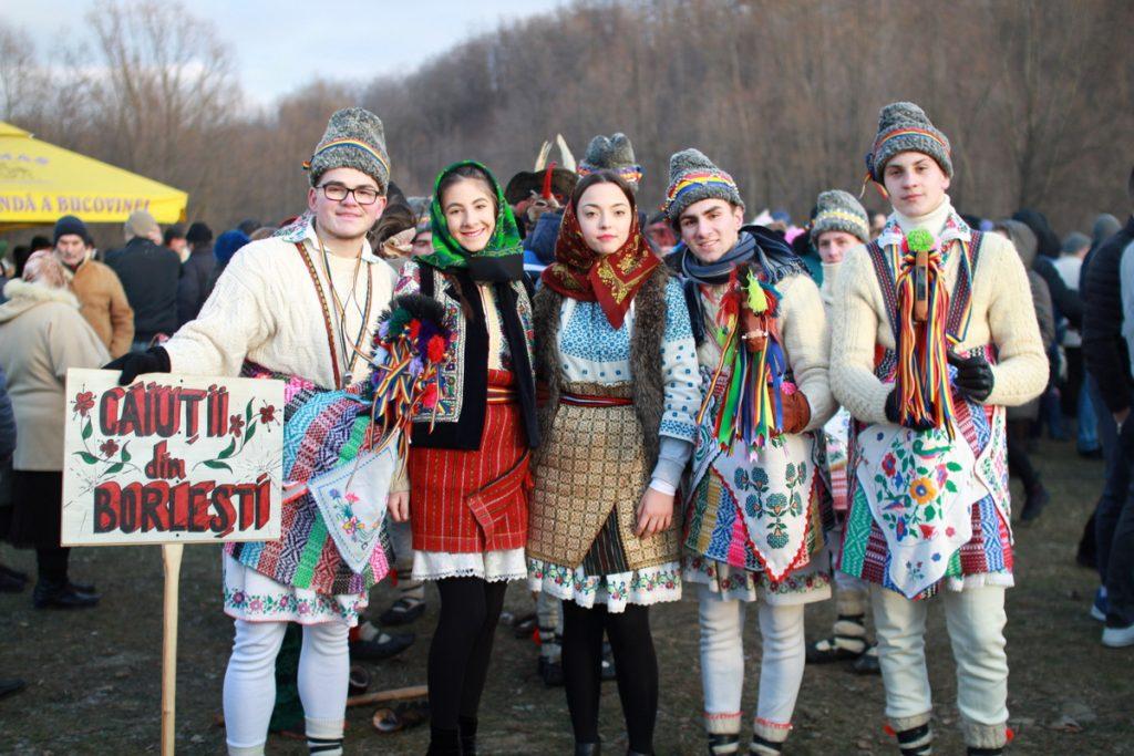 festivalul-de-datini-obiceiuri-si-traditii-de-iarna-borlesti-2016-172
