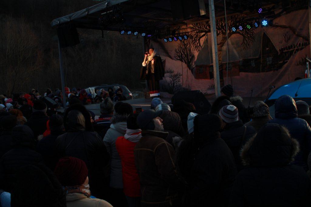 festivalul-de-datini-obiceiuri-si-traditii-de-iarna-borlesti-2016-179