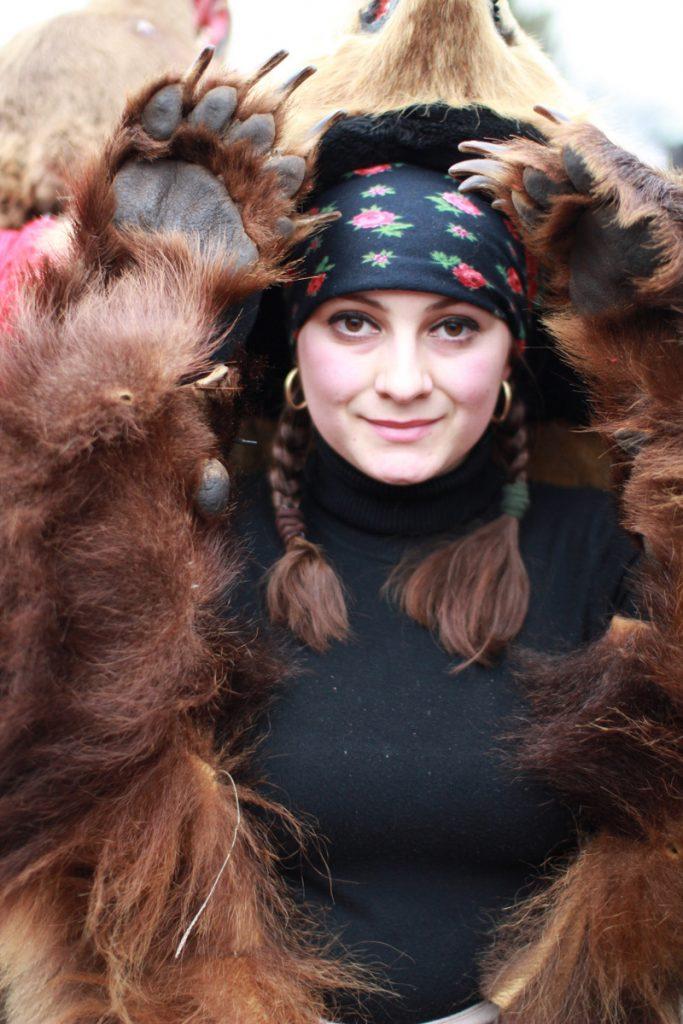 festivalul-de-datini-obiceiuri-si-traditii-de-iarna-borlesti-2016-19