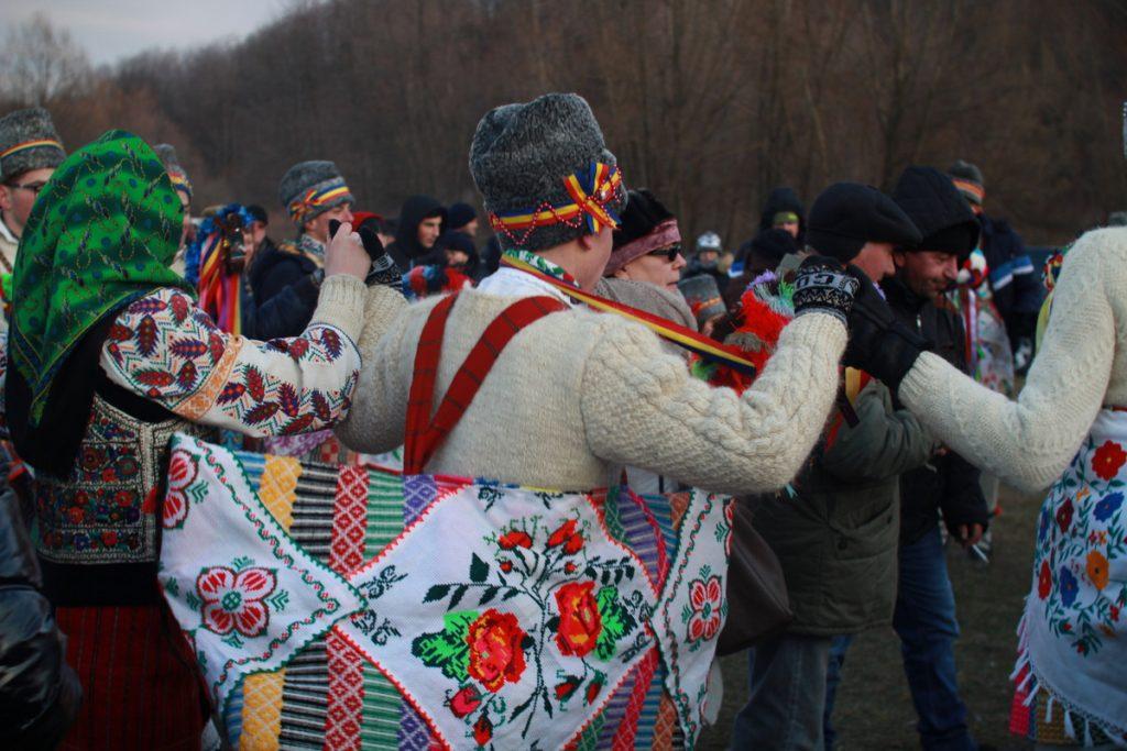 festivalul-de-datini-obiceiuri-si-traditii-de-iarna-borlesti-2016-190