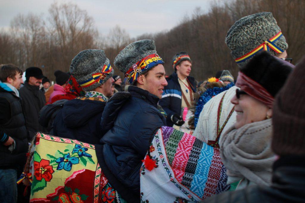 festivalul-de-datini-obiceiuri-si-traditii-de-iarna-borlesti-2016-191