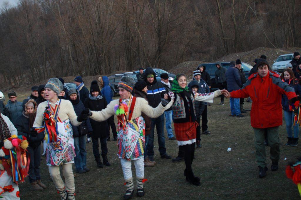 festivalul-de-datini-obiceiuri-si-traditii-de-iarna-borlesti-2016-192