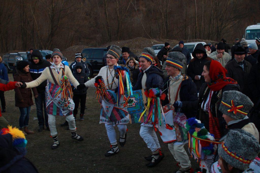 festivalul-de-datini-obiceiuri-si-traditii-de-iarna-borlesti-2016-193