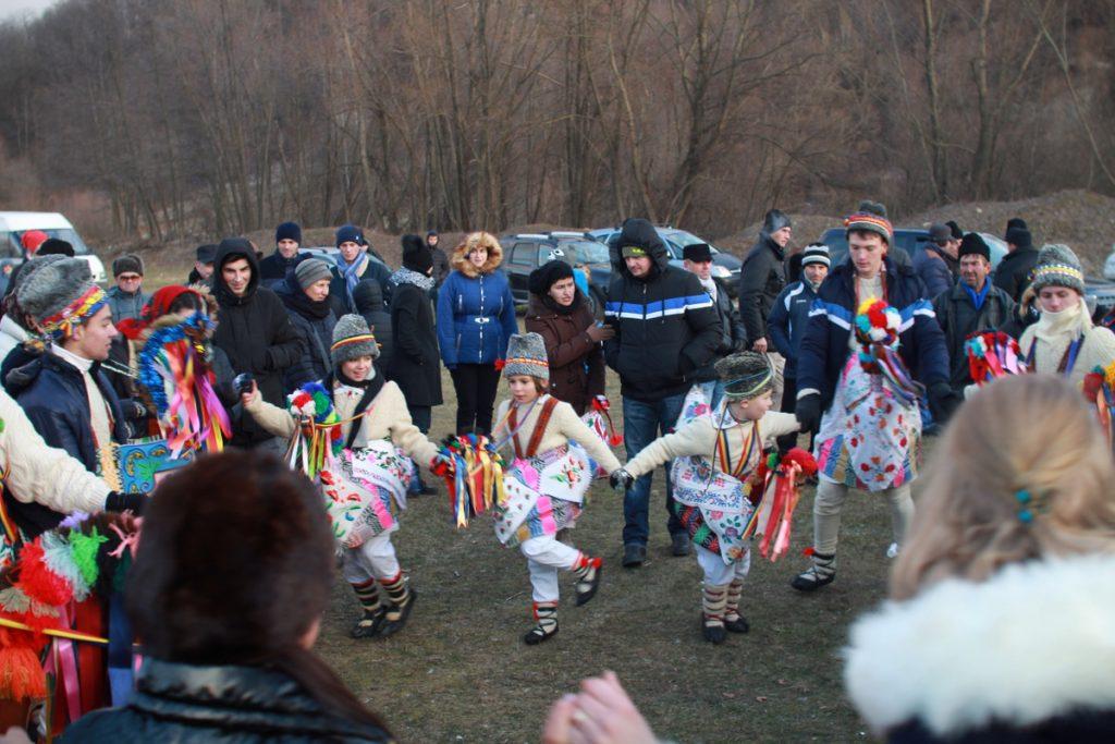 festivalul-de-datini-obiceiuri-si-traditii-de-iarna-borlesti-2016-194