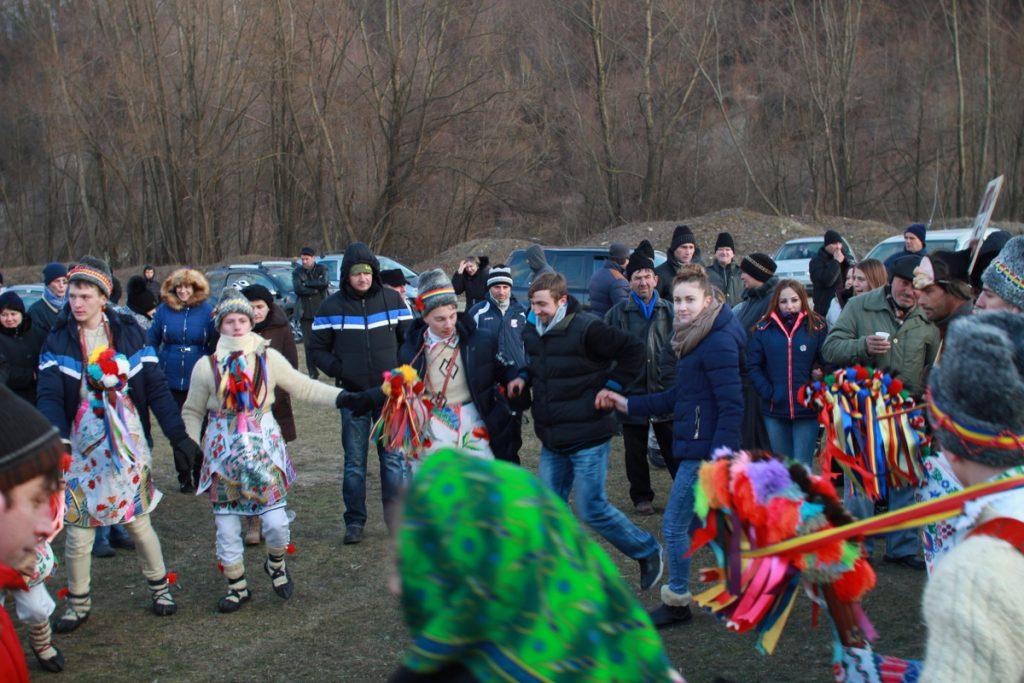 festivalul-de-datini-obiceiuri-si-traditii-de-iarna-borlesti-2016-195