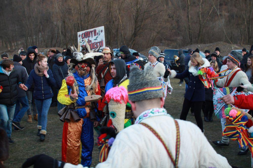 festivalul-de-datini-obiceiuri-si-traditii-de-iarna-borlesti-2016-196