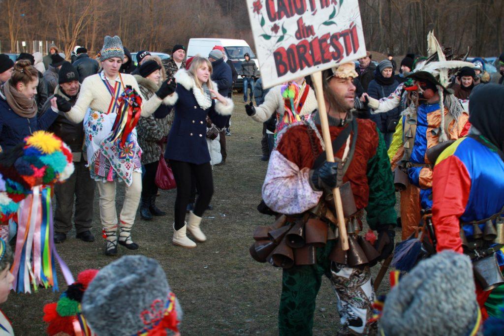 festivalul-de-datini-obiceiuri-si-traditii-de-iarna-borlesti-2016-198