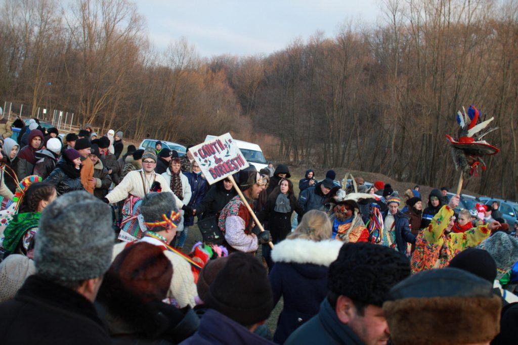 festivalul-de-datini-obiceiuri-si-traditii-de-iarna-borlesti-2016-199
