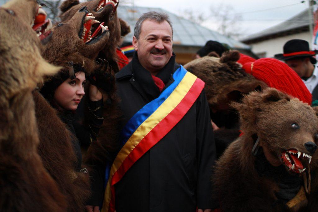 festivalul-de-datini-obiceiuri-si-traditii-de-iarna-borlesti-2016-20