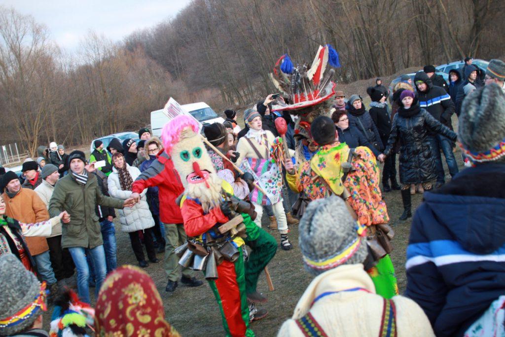festivalul-de-datini-obiceiuri-si-traditii-de-iarna-borlesti-2016-203