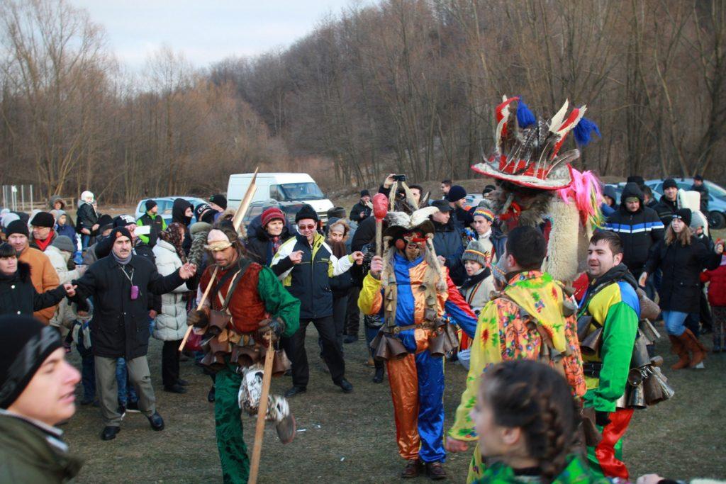 festivalul-de-datini-obiceiuri-si-traditii-de-iarna-borlesti-2016-204