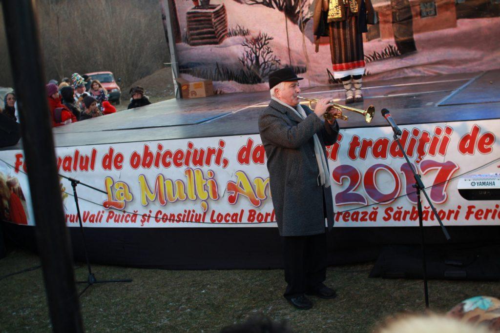 festivalul-de-datini-obiceiuri-si-traditii-de-iarna-borlesti-2016-206