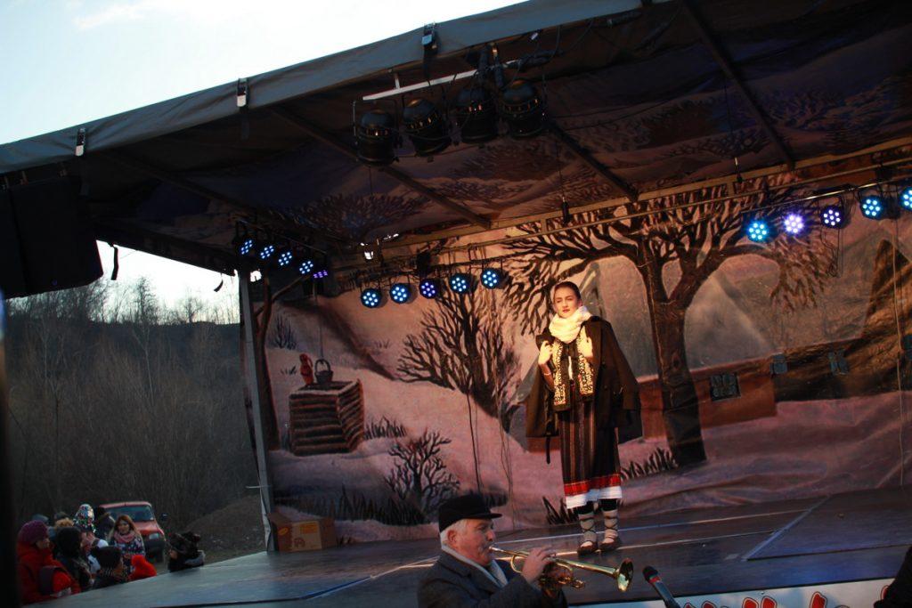 festivalul-de-datini-obiceiuri-si-traditii-de-iarna-borlesti-2016-207
