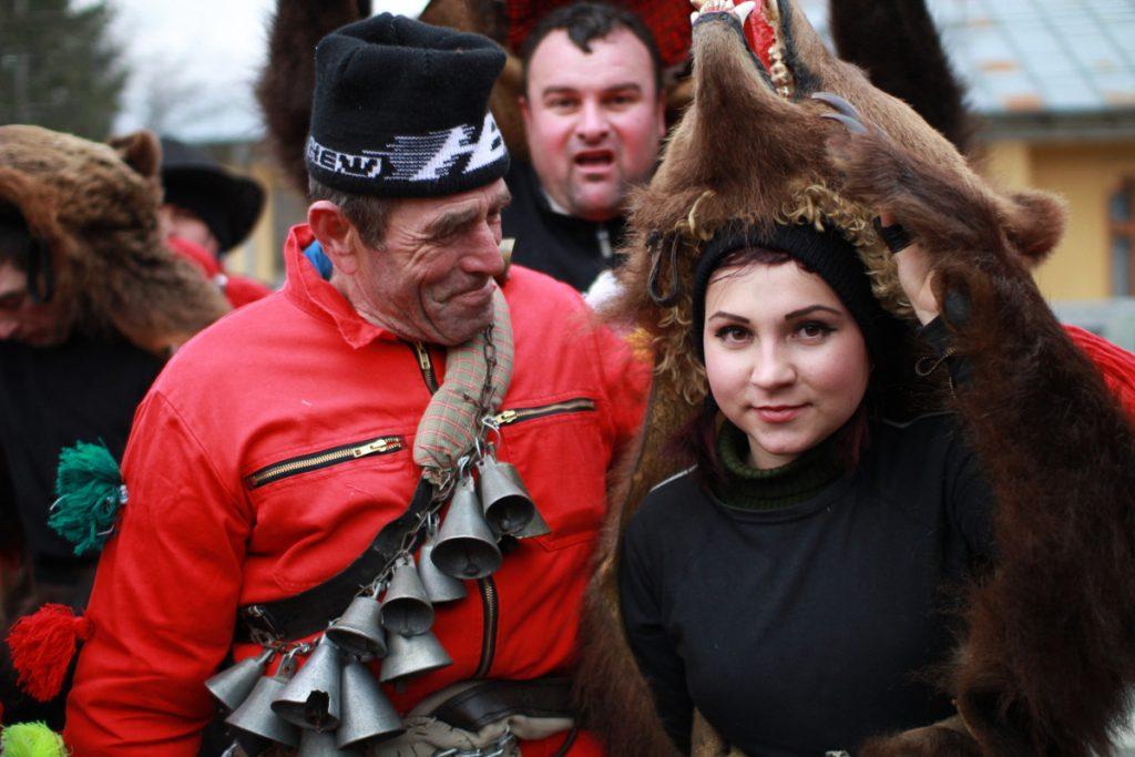 festivalul-de-datini-obiceiuri-si-traditii-de-iarna-borlesti-2016-21