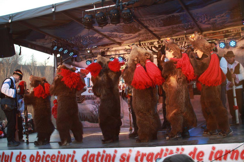 festivalul-de-datini-obiceiuri-si-traditii-de-iarna-borlesti-2016-212