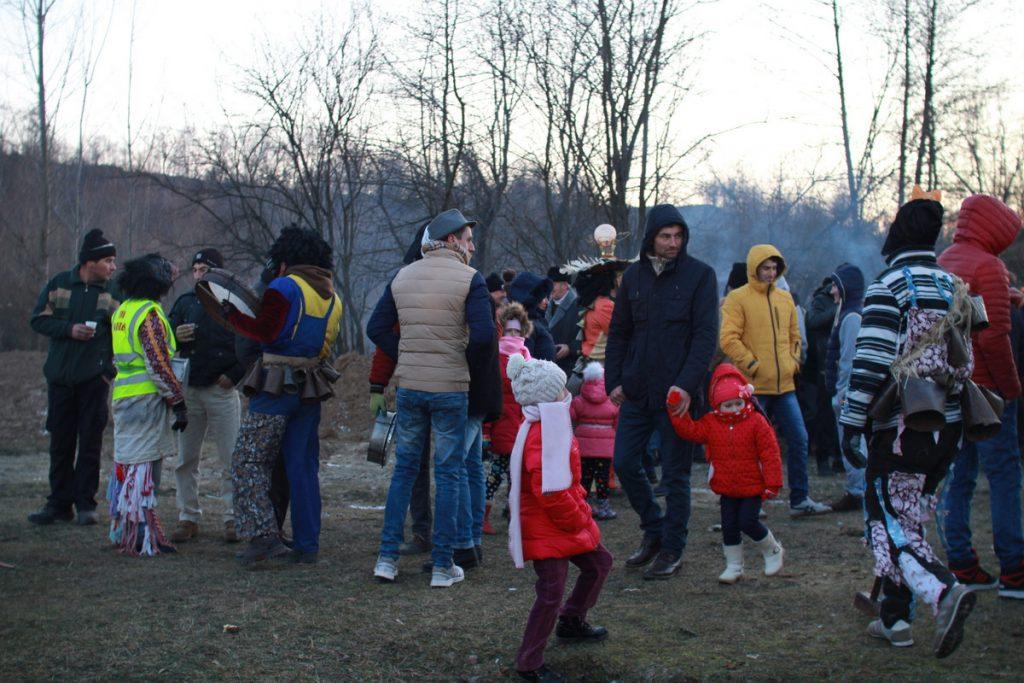 festivalul-de-datini-obiceiuri-si-traditii-de-iarna-borlesti-2016-218