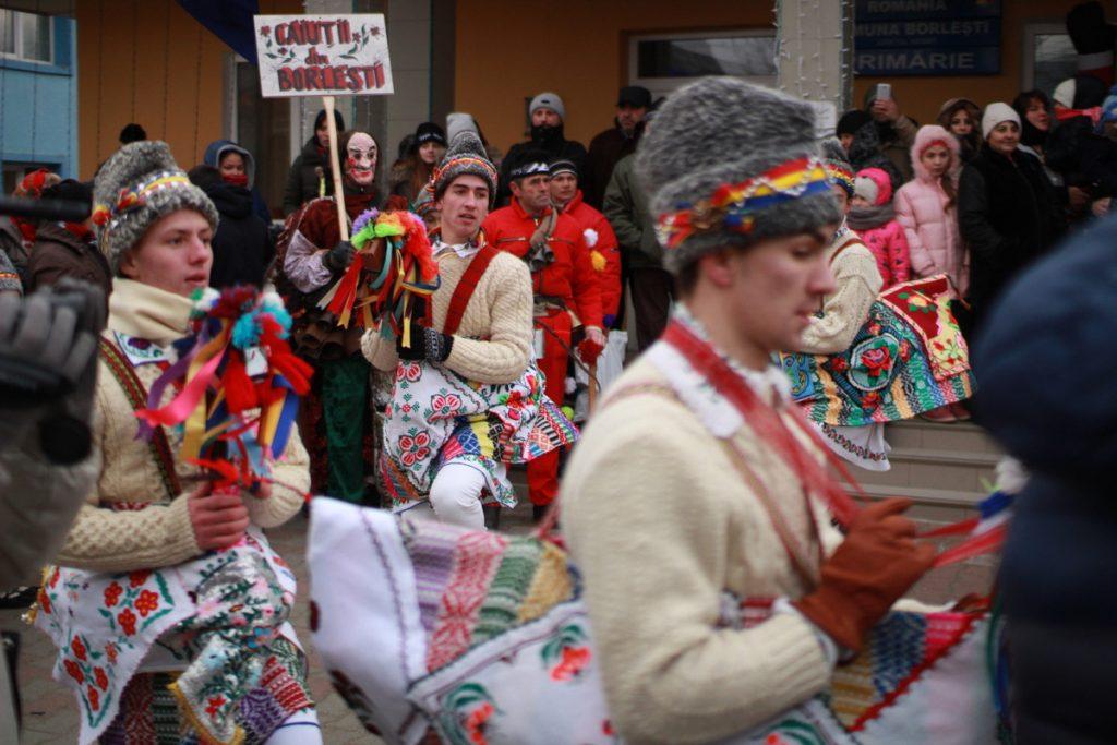 festivalul-de-datini-obiceiuri-si-traditii-de-iarna-borlesti-2016-22