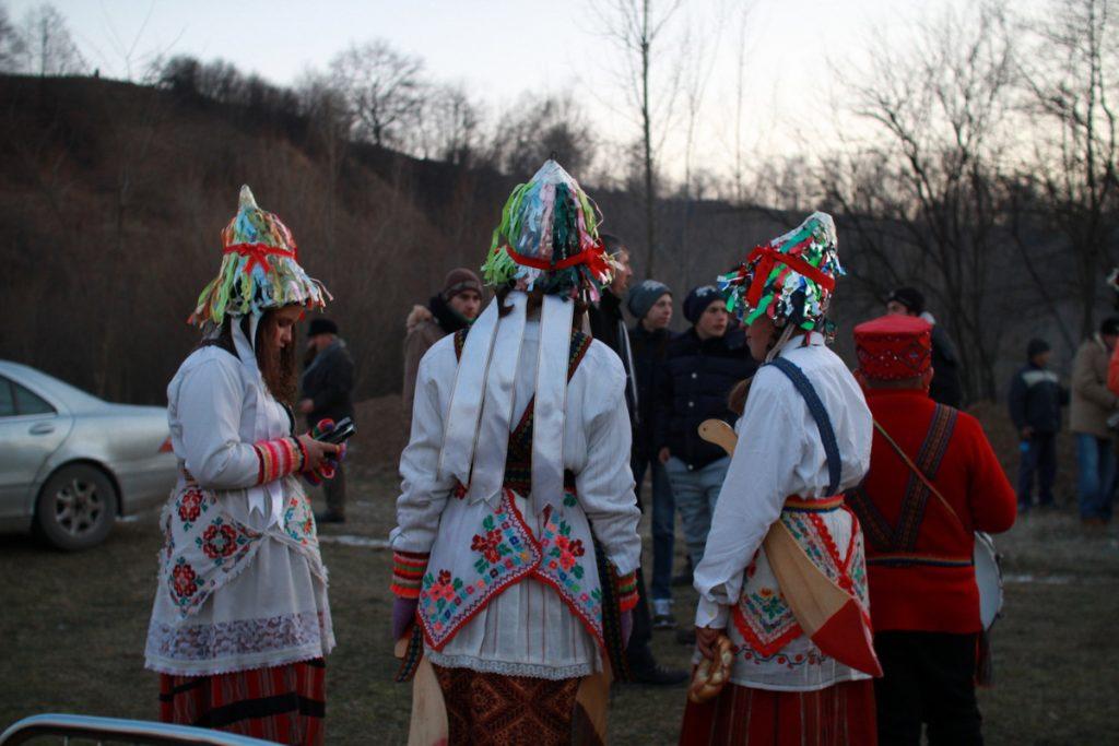 festivalul-de-datini-obiceiuri-si-traditii-de-iarna-borlesti-2016-221