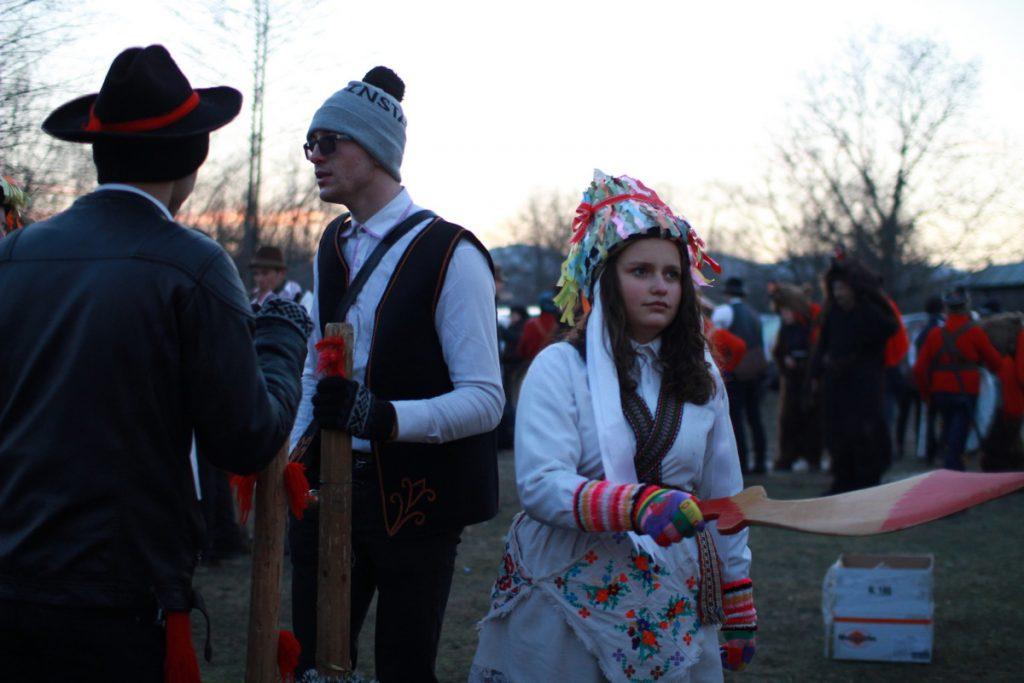 festivalul-de-datini-obiceiuri-si-traditii-de-iarna-borlesti-2016-230